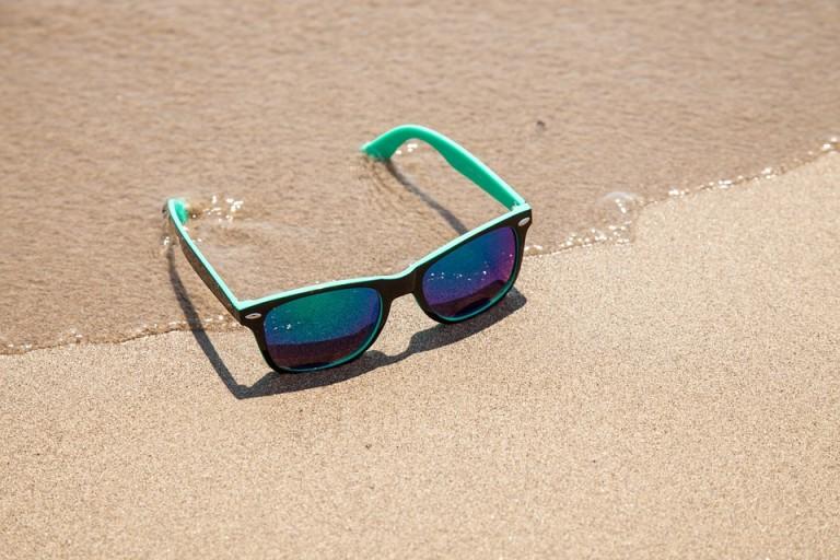 sunglasses-438429_960_720
